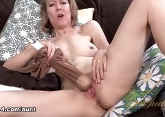 Jamie Foster in Masturbation Movie - AuntJudys