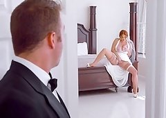 Gorgeous redhead Lennox Luxe offers her cunt to a nasty guy