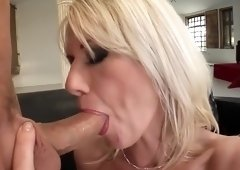 Amazing flat chested mom Anna Lena is getting a nice cumshot