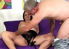 Chubby Babe Takes a Dick in Her Mouth and Cunt