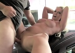 Sasha Steele does a rimmjob then gets her cunt fingered & fucked in the taxi