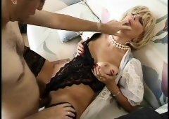 Cum hungry MILF Zarina milks a lucky young man's stiff boner