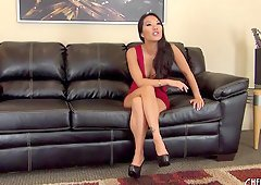 Extravagant Asa Akira still knows how to masturbate like a pro