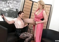 Sexually compulsive lesbian Ally Style is toying and licking juicy pussy