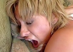 Horny cougar Phyllisha Anne likes being shagged hardcore
