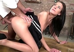 Anal hole of yummy babe Lexi Layo is impaled on a heavy dick
