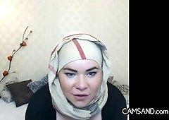 Racy Arab Courtesan With A Hijab