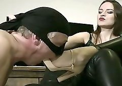 Mistress Shoe Slut