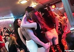 Depraved real hooker does her best as she gives a good blowjob in the club
