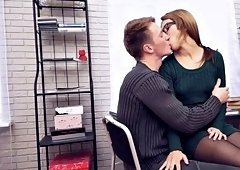 guy fucks sexy cheating girl