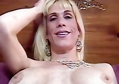 Busty blonde hoe Ava sucking a thick throbbing cock voraciously