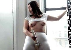 chubby mom toys pussy