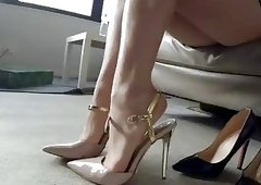 HandJoy * Hira fucked doggy-style in high heels