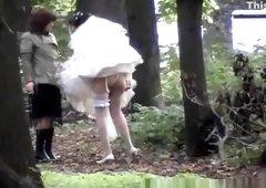 Outdoor hidden bride pee