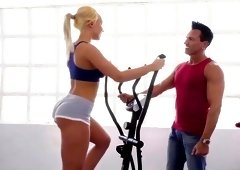 Sporty blonde leaves her trainer to fuck her hard