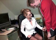 German mateur mature mom fucks in office