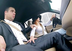 Czech girl seduces man and he fucks shaved pussy in the back seat