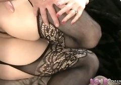 Enticing experienced woman is in love with creampie
