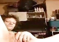 White horny grandma loves to bate for me