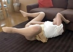Bonny Japanese mom Erika Kitagawa play with her cunt