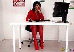 Assistant in red stockings Shelly shows her pussy under the table