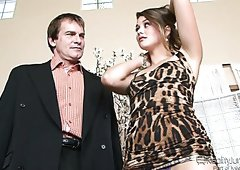 Sassy brunette harlot Allie Haze seduces Evan Stone
